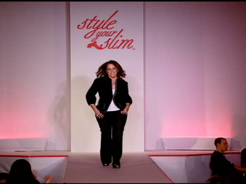 karen bow at the rachel hunter and slim-fast host style your slim event with special guest tim gunn and dj macy gray at boulevard3 in hollywood,... - レイチェル ハンター点の映像素材/bロール