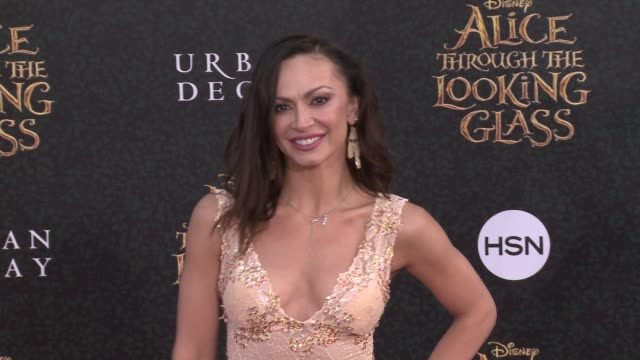 karina smirnoff at the alice through the looking glass los angeles premiere at the el capitan theatre on may 23 2016 in hollywood california - el capitan kino stock-videos und b-roll-filmmaterial
