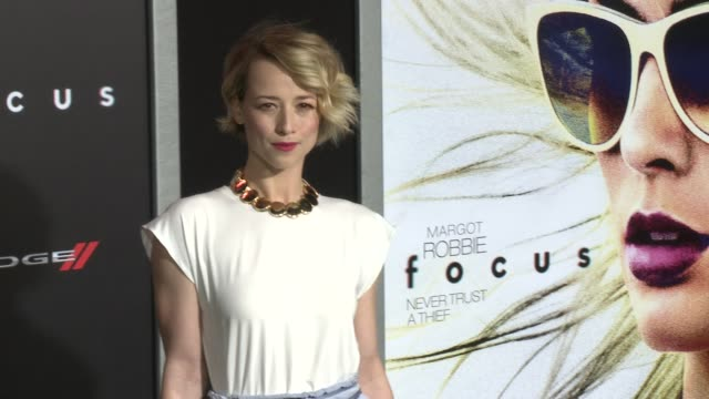stockvideo's en b-roll-footage met karine vanasse at the focus los angeles premiere at tcl chinese theatre on february 24 2015 in hollywood california - mann theaters