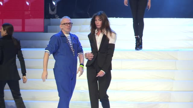 vidéos et rushes de karlie kloss, farida khelfa, paris jackson, laurence treil, jean paul gaultier at rehearsal for the gaultier paris collection haute couture spring... - fashion show