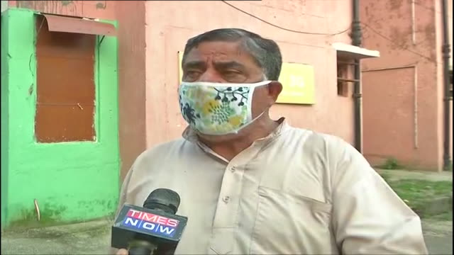 kashmiri pandit talking about bollywood keeping quiet over the kashmir issue, in jammu, on july 24 india. original soundbite of kashmiri pandit in... - producer stock videos & royalty-free footage