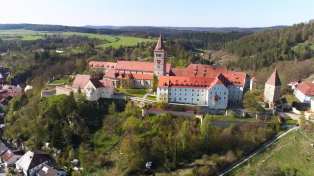 Colina de Monasterio Kastl en Baviera del norte