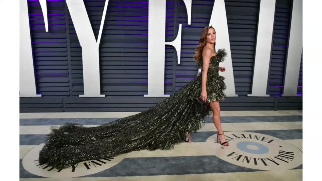 kate beckinsale attends the 2019 vanity fair oscar party hosted by radhika jones at wallis annenberg center for the performing arts on february 24... - gif file format extension stock videos & royalty-free footage