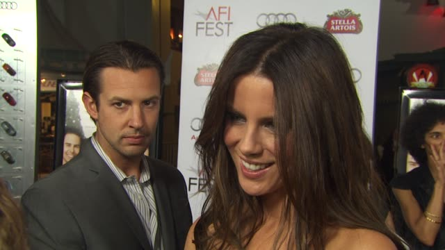 Kate Beckinsale on what attracted her to the project working with Robert De Niro and Drew Barrymore what advice she gave to her daughter Lily who...