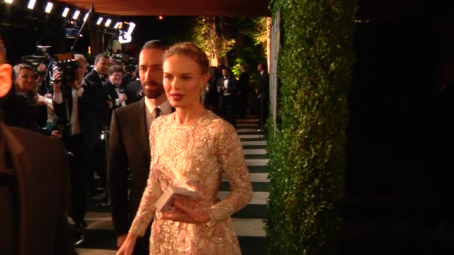 kate bosworth at the 2013 vanity fair oscar party hosted by graydon carter kate bosworth at the 2013 vanity fair oscar party at sunset tower on... - kate bosworth stock-videos und b-roll-filmmaterial
