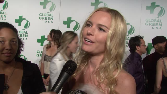 kate bosworth on why she believes in global green usa and on what she does to be green at the global green usa's 6th annual preoscar party benefiting... - kate bosworth stock-videos und b-roll-filmmaterial