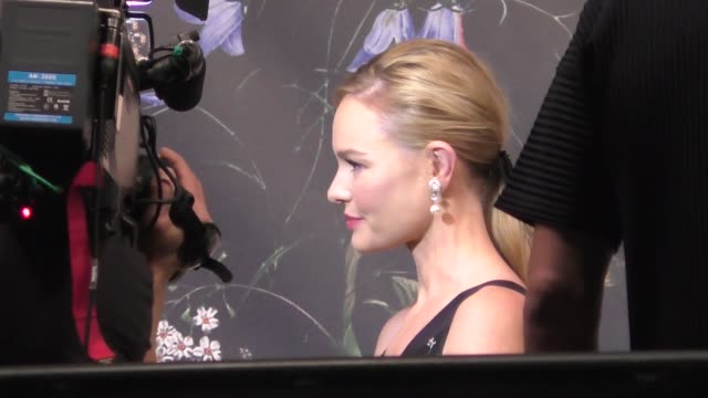 Kate Bosworth outside the ERDEM x HM Runway Show Party at The Ebell Club in Los Angeles in Celebrity Sightings in Los Angeles