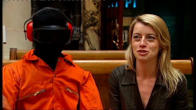 kate brindley interview sot - バンクシー点の映像素材/bロール