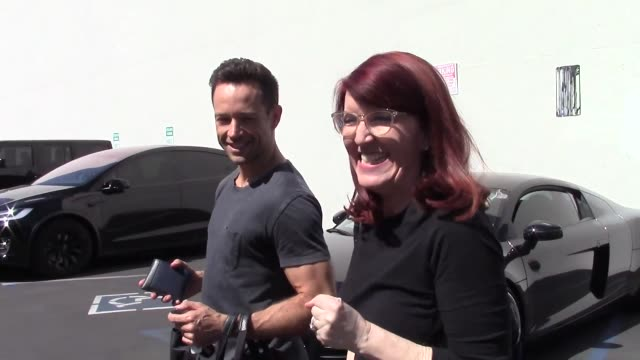 interview kate flannery pasha pashkov talk about their last performance outside dancing with the stars rehearsal studio in hollywood in celebrity... - dancing with the stars stock videos & royalty-free footage