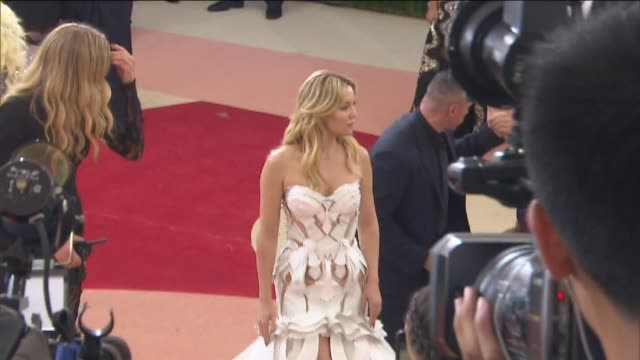 WPIX Kate Hudson and Lady Gaga arrive at the Metropolitan Museum of Art's Costume Institute Gala on May 2 2016