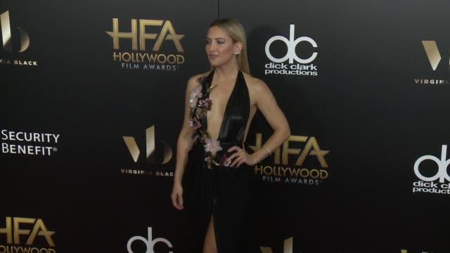 vídeos y material grabado en eventos de stock de kate hudson at 20th annual hollywood film awards at the beverly hilton hotel on november 06, 2016 in beverly hills, california. - kate hudson
