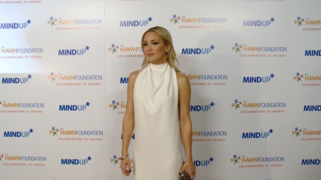 kate hudson at goldie hawn's inaugural 'love in for kids' benefitting the hawn foundation's mindup program transforming children's lives for greater... - kate hudson stock videos & royalty-free footage
