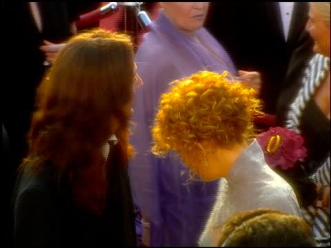 vídeos de stock e filmes b-roll de kate hudson at the 2001 academy awards at the shrine auditorium in los angeles california on march 25 2001 - 73.ª edição da cerimónia dos óscares