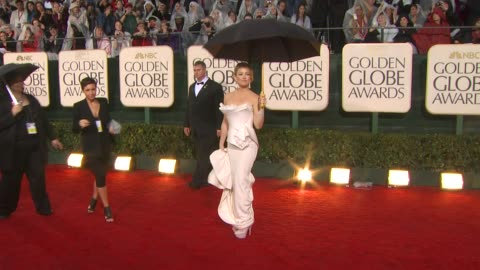 kate hudson at the 67th annual golden globe awards - arrivals part 5 at beverly hills ca. - golden globe awards stock videos & royalty-free footage