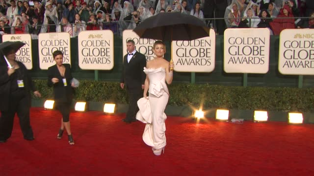 vidéos et rushes de kate hudson at the 67th annual golden globe awards - arrivals part 5 at beverly hills ca. - golden globe awards