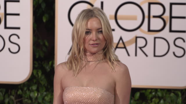 kate hudson at the 73rd annual golden globe awards arrivals at the beverly hilton hotel on january 10 2016 in beverly hills california 4k - kate hudson stock videos & royalty-free footage