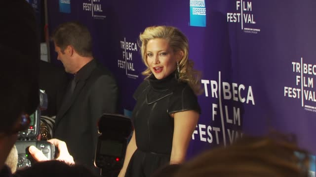 vídeos de stock e filmes b-roll de kate hudson at the premiere of 'the killer inside me' - 9th annual tribeca film festival at new york ny. - vestido preto
