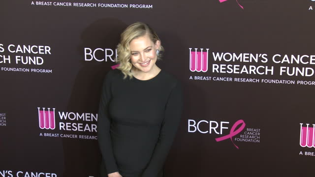 """vídeos y material grabado en eventos de stock de kate hudson at wcrf's """"an unforgettable evening"""" at the beverly wilshire four seasons hotel on february 28, 2019 in beverly hills, california. - kate hudson"""