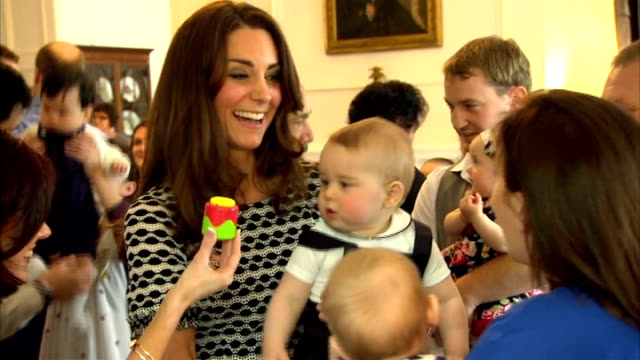 kate kavelashvili shares a birthday with prince george r09041402 / wellington government house int duchess of cambridge chatting to parents prince... - 2014 stock videos & royalty-free footage