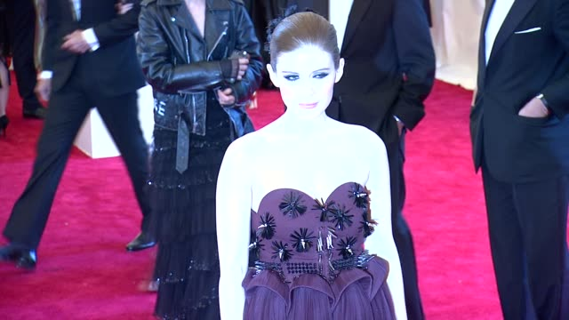 kate mara at punk chaos to couture costume institute gala at metropolitan museum of art on may 06 2013 in new york new york - kate mara stock videos and b-roll footage