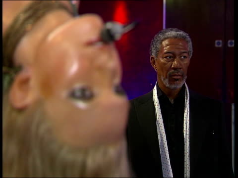 kate moss waxwork at madame tussauds waxwork model of simon cowell / waxwork model of unidentified woman/ waxwork model of morgan freeman britney... - madame tussauds stock videos & royalty-free footage