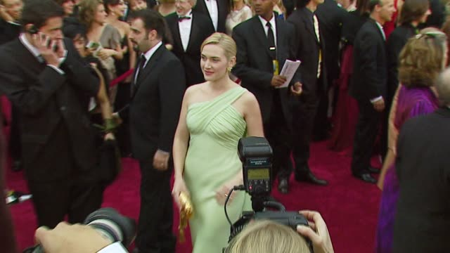 kate winslet at the 2007 academy awards arrivals at the kodak theatre in hollywood, california on february 25, 2007. - kate winslet stock videos & royalty-free footage