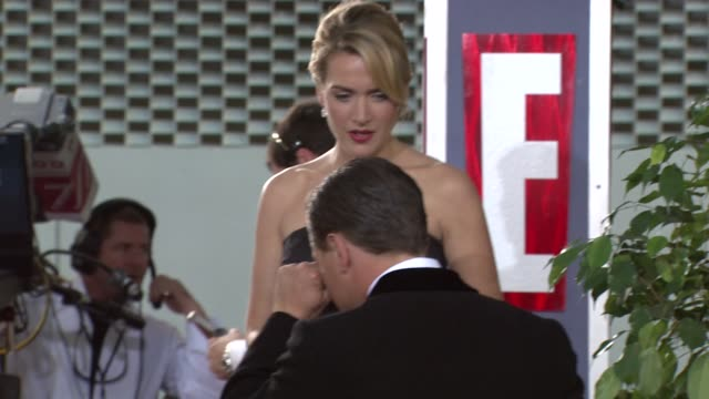 kate winslet at the 66th annual golden globe awards arrivals part 5 at los angeles ca - kate winslet stock videos and b-roll footage
