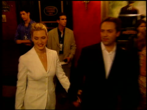 kate winslet at the 'road to perdition' new york premiere on july 9 2002 - kate winslet stock-videos und b-roll-filmmaterial