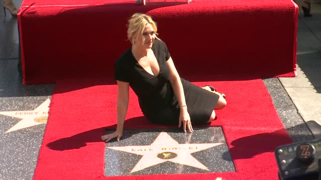 kate winslet kate winslet honored with star on the hollywood walk of fame on march 17 2014 in hollywood california - ウォークオブフェーム点の映像素材/bロール