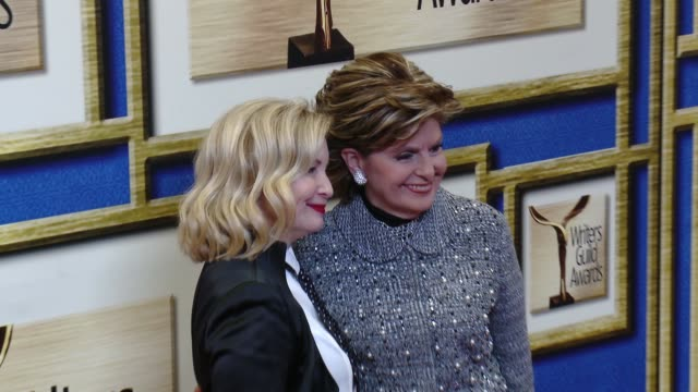 vidéos et rushes de katherine fugate and gloria allred at 2016 writers guild awards la ceremony at the hyatt regency century plaza on february 13 2016 in century city... - century plaza