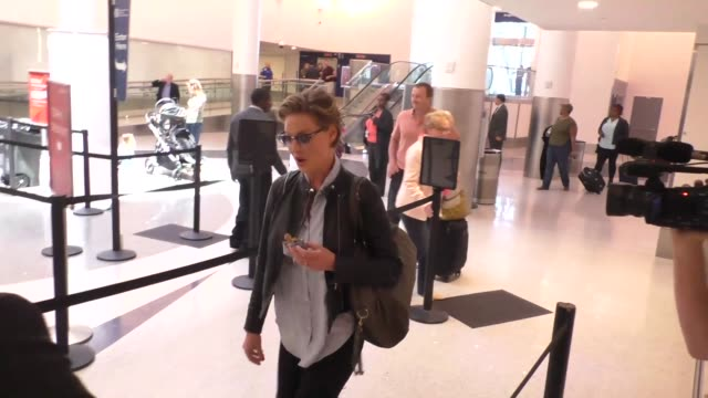 INTERVIEW Katherine Heigl on her dog while at Los Angeles International Airport at Celebrity Sightings in Los Angeles on May 27 2016 in Los Angeles...
