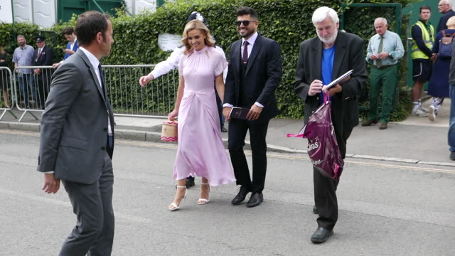 katherine jenkins attends the men's final on day 13 of the wimbledon 2019 tennis championships at all england lawn tennis and croquet club at... - celebritet bildbanksvideor och videomaterial från bakom kulisserna