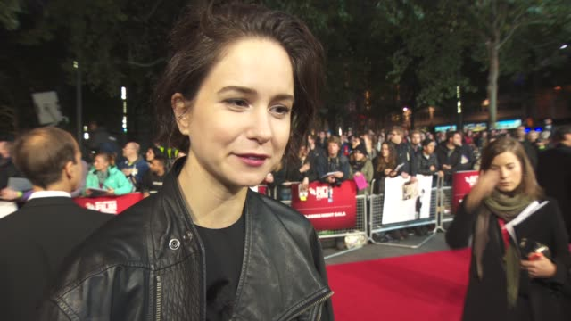 interview katherine waterston on fighting with michael fassbender on set actors off set energy on set her character not knowing the total truth at... - odeon leicester square stock videos and b-roll footage