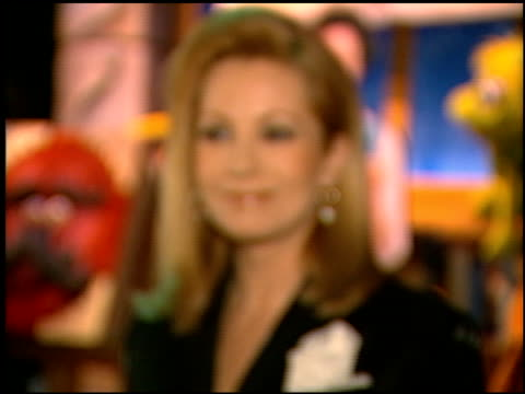 vídeos y material grabado en eventos de stock de kathie lee gifford at the natpe on january 15 1997 - natpe