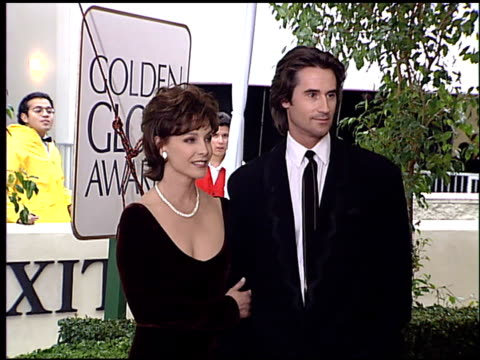 stockvideo's en b-roll-footage met kathleen quinlan at the 1996 golden globe awards at the beverly hilton in beverly hills, california on january 21, 1996. - kathleen quinlan