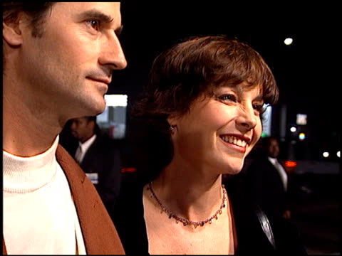 stockvideo's en b-roll-footage met kathleen quinlan at the 'casino' premiere at academy theater in beverly hills, california on november 16, 1995. - kathleen quinlan