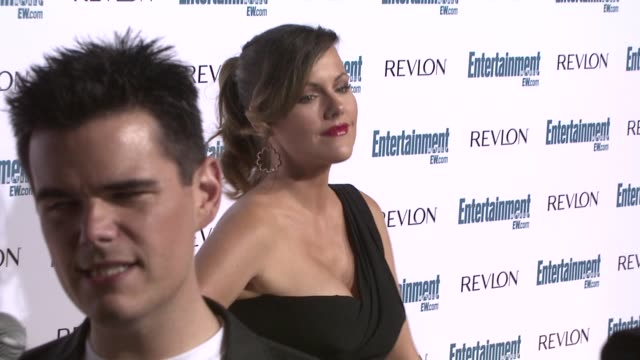 kathleen robertson, robertson at the entertainment weekly 6th annual pre-emmy party at los angeles ca. - エミー賞前夜祭パーティー点の映像素材/bロール