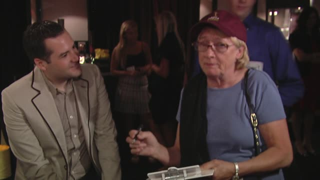 kathryn joosten, ross mathews at the bertolli at the presenters gift lounge celebrating the primetime emmy awards hosted by aeg ehrlich ventures at... - gift lounge stock videos & royalty-free footage