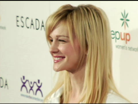 kathryn morris at the step up women's network inspiration awards sponsored by escada at the beverly hilton in beverly hills, california on april 27,... - escada stock-videos und b-roll-filmmaterial