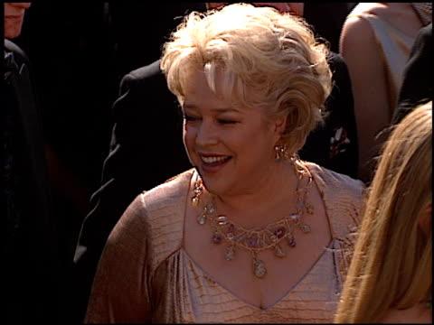 vídeos de stock, filmes e b-roll de kathy bates at the 1999 emmy awards at the shrine auditorium in los angeles, california on september 12, 1999. - shrine auditorium