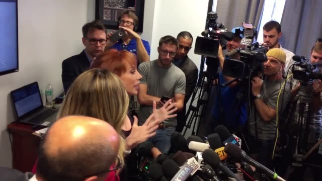 stockvideo's en b-roll-footage met kathy griffin is being investigated by the secret service after her controversial photo shoot in which she posed with a likeness of donald trump's... - geheime dienstagent