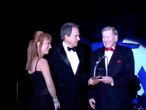 kathy griffin warren beatty dr donald morton and gloria gebbia at the 15th annual associates for breast cancer and prostate cancer studies 'winter... - beverly beatty stock videos & royalty-free footage