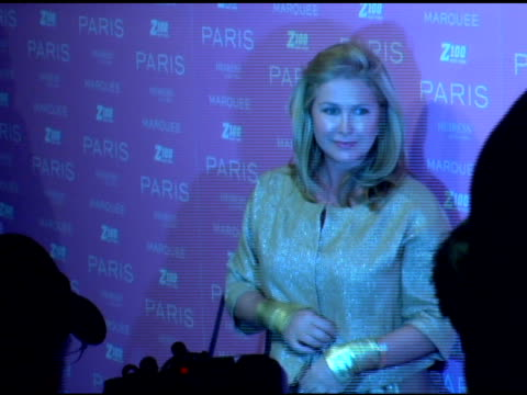 kathy hilton at the paris hilton album release party at marquee in new york new york on august 16 2006 - marquee nightclub manhattan stock-videos und b-roll-filmmaterial