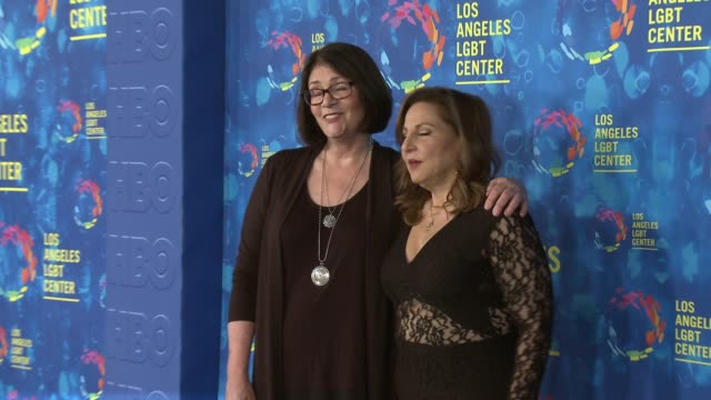 stockvideo's en b-roll-footage met kathy najimi and mo gaffney at the los angeles lgbt center's 47th anniversary gala vanguard awards at pacific design center on september 24 2016 in... - anniversary gala vanguard awards
