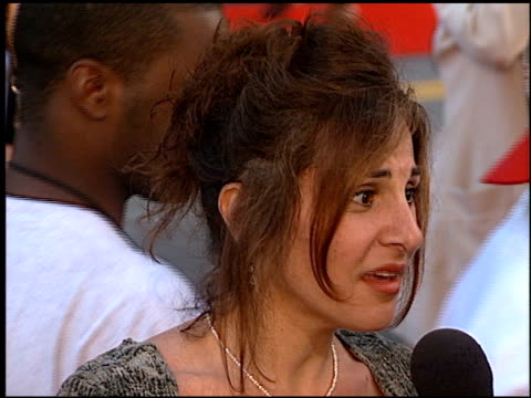 stockvideo's en b-roll-footage met kathy najimy at the 'cable guy' premiere at grauman's chinese theatre in hollywood, california on june 10, 1996. - mann theaters
