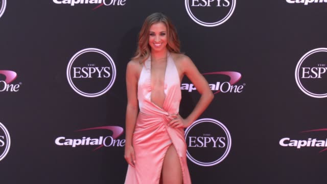 vídeos de stock, filmes e b-roll de katie austin at the 2017 espys in los angeles ca - espy awards