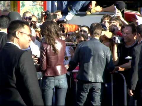 katie holmes and tom cruise greet fans at the fan screening of 'war of the worlds' at grauman's chinese theatre in hollywood california on june 27... - katie holmes stock videos and b-roll footage
