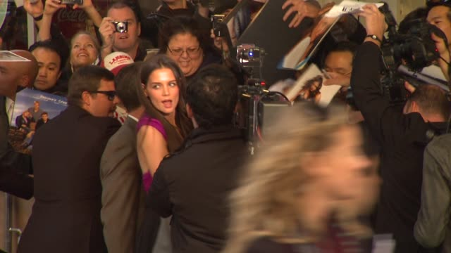 katie holmes at the 'jack and jill' world premiere at westwood ca - ウェストウッド地区点の映像素材/bロール