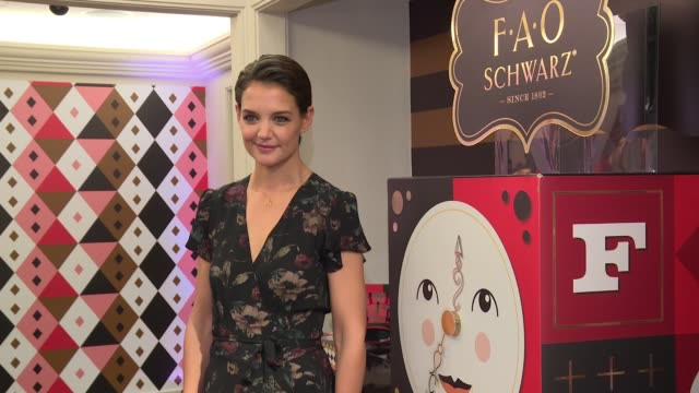 """katie holmes unveils fao schwarz holiday collection and the """"return to wonder"""" at bergdorf goodman at bergdorf goodman on october 24, 2017 in new... - bergdorf goodman stock videos & royalty-free footage"""