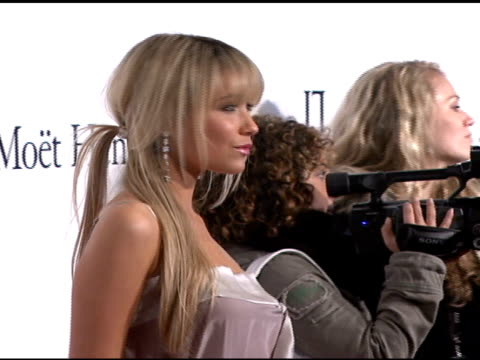 katrina bowden at the denise rich marks 10th year of the gp foundation with an evening of stars and music at the 2007 angel ball at marriott marquis... - marriott marquis new york stock videos & royalty-free footage